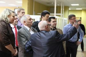 Участники конференции во главе с проф. О. Я. Баевым на выставке книг